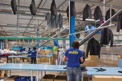 kleding-opslag-pin-conveyor-ophangen-systeem