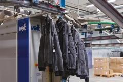 slide-kleding-toevoer-tunnel-stoom-transport