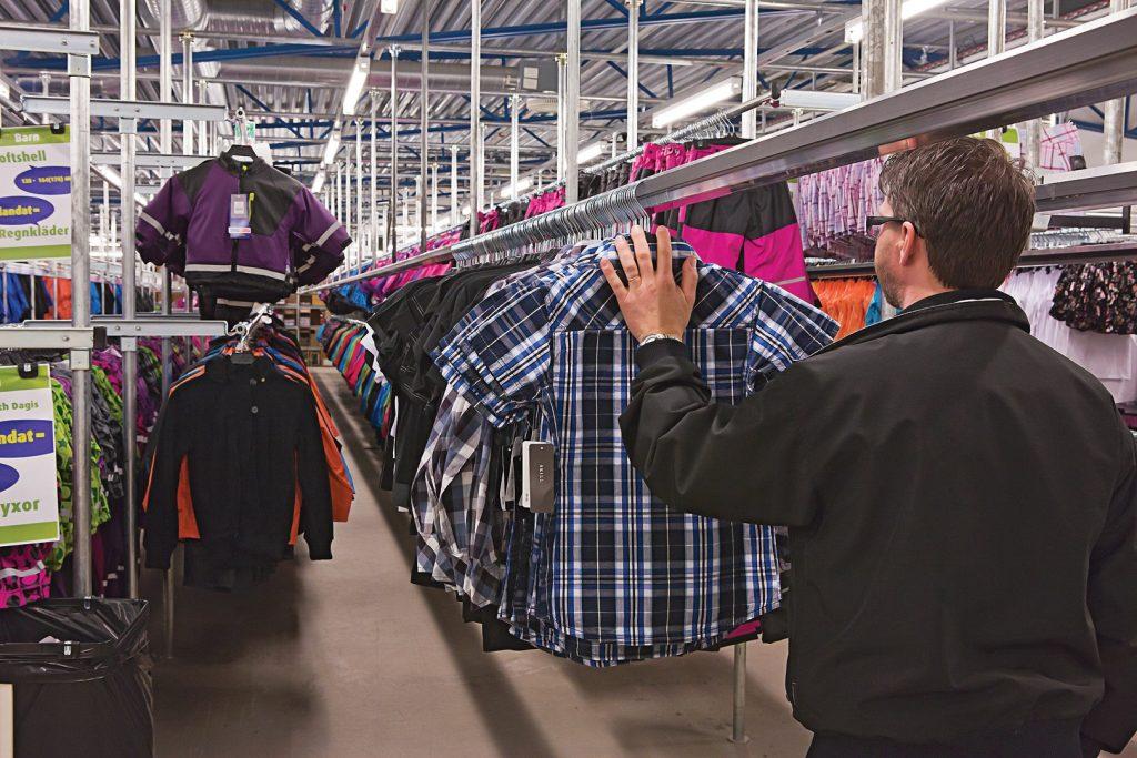 Slide systeem voor het transport van kleding
