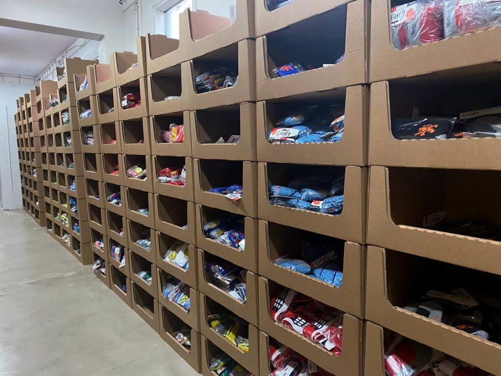 Orderpick doos voor kleding en sokken BJ Solutions magazijninrichting